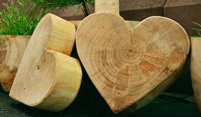 whittle, whittling, whittling wood, whittled wood hearts,